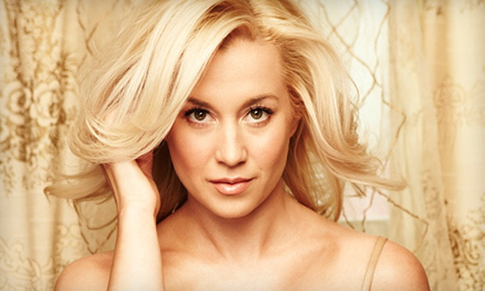 Kellie Pickler - Newark Central Business District: $15 to See Kellie Pickler at the New Jersey Performing Arts Center on November 14 at 7:30 p.m. (Up to $31 Value)