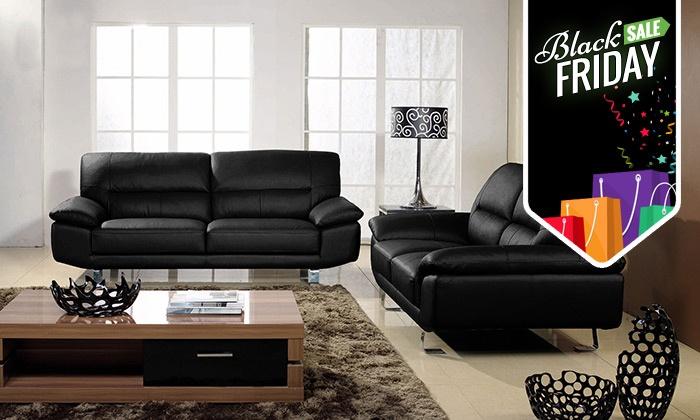 מיוחד ל-BLACK FRIDAY! מערכת ישיבה לסלון העשוייה מעור וכוללת ספה דו מושבית ותלת מושבית בעיצוב מודרני נקי ב-2,999 ₪ בלבד