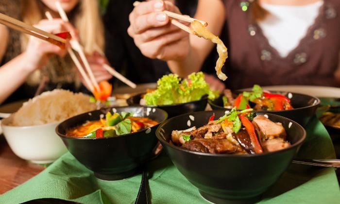 Garuda - Bruxelles: Un menu « Table de riz » en 3 services pour 2 ou 4 personnes au restaurant indonésien Garuda (dès 29,99€)