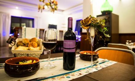 Menu gourmet di carne o pesce con vino