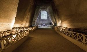 Mani e Vulcani: Visita guidata al Cimitero delle Fontanelle