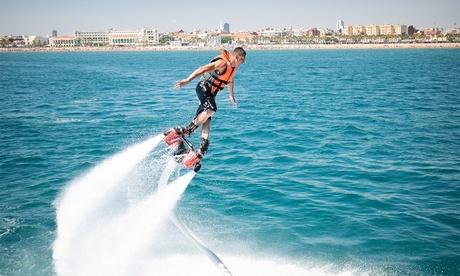 Flyboard para una o dos personas desde 49,90 € frente la playa de las Arenas