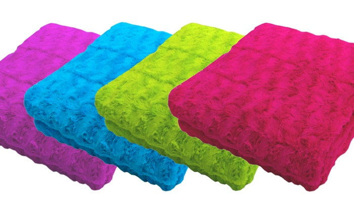 Dream Fountain Exquis Throw Blanket 2-Pack: Dream Fountain Exquis Throw Blanket 2-Pack. Multiple Colors Available.