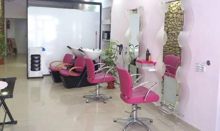 Sesión de peluquería con corte y opción a tinte y/o mechas o tto. de queratina desde 14,95 € en Marga Sirvent