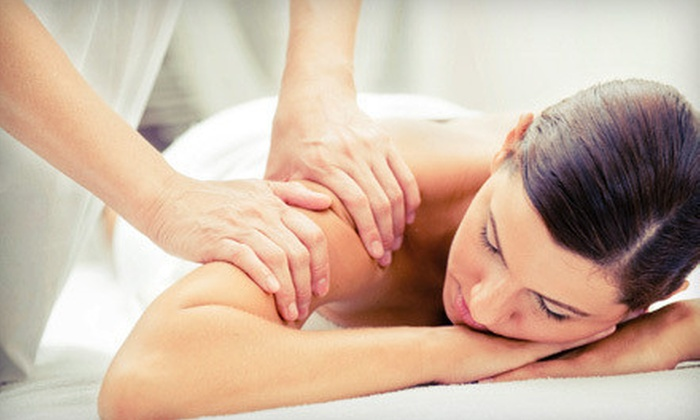 Greenhouse Holistic - Greenpoint: $40 for a One-Hour Deep-Tissue Massage and Yoga Class at Greenhouse Holistic ($97 Value)