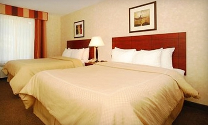 Comfort Suites - Independence: $84 for a One-Night Hotel Stay at the Comfort Suites (Up to $164.99 Value)