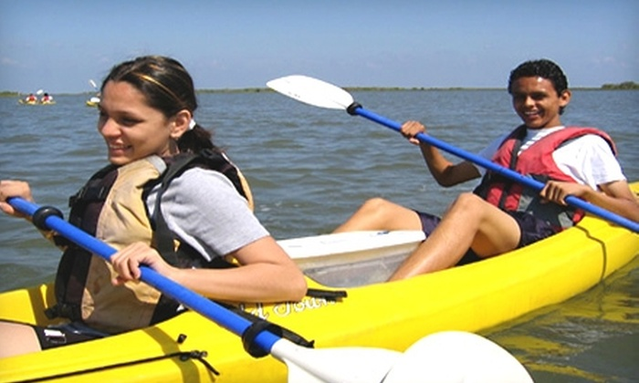 Artist Boat - Old Silk Stocking Historic District: $25 for a Four-Hour Kayak Adventure from Artist Boat in Galveston ($50 Value)