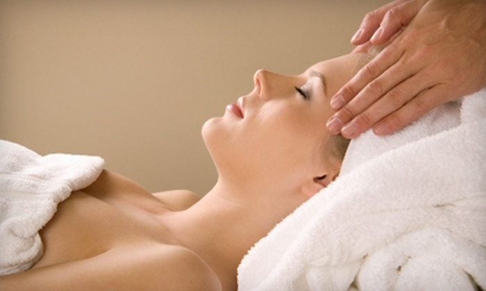 Massage Advantage - Multiple Locations: $29 for a 60-Minute Massage at Massage Advantage ($70 Value)