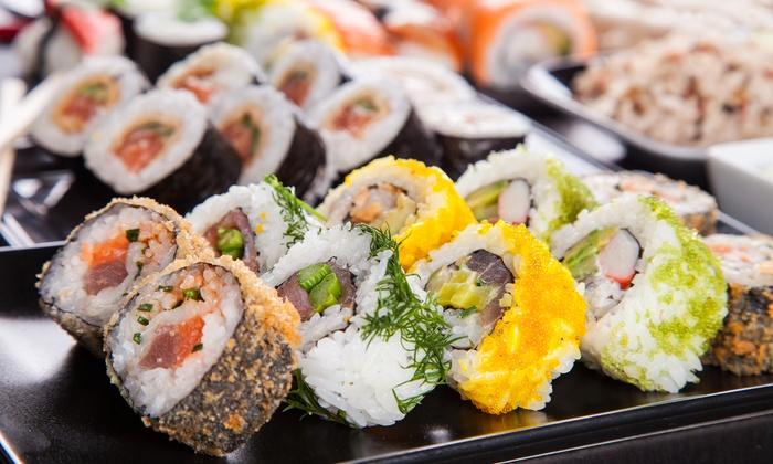 saveurs japonaises 46 sushis et makis sakura groupon. Black Bedroom Furniture Sets. Home Design Ideas