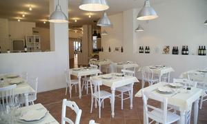 RISTORANTE LA MAISON: Menu di pesce completo con vino e dolce per 2, 4 o 6 persone al Ristorante La Maison (sconto fino a 70%)