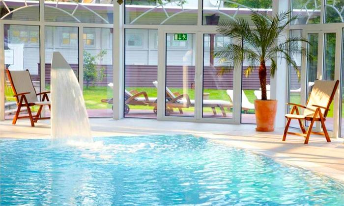 Welness hotel palmenwald freudenstadt bw groupon - Hotel en foret noire avec piscine ...