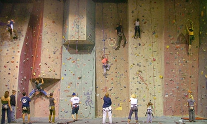 Cleveland Rock Gym - Euclid: $10 for Introduction to Climbing Class at Cleveland Rock Gym in Euclid ($20 Value)