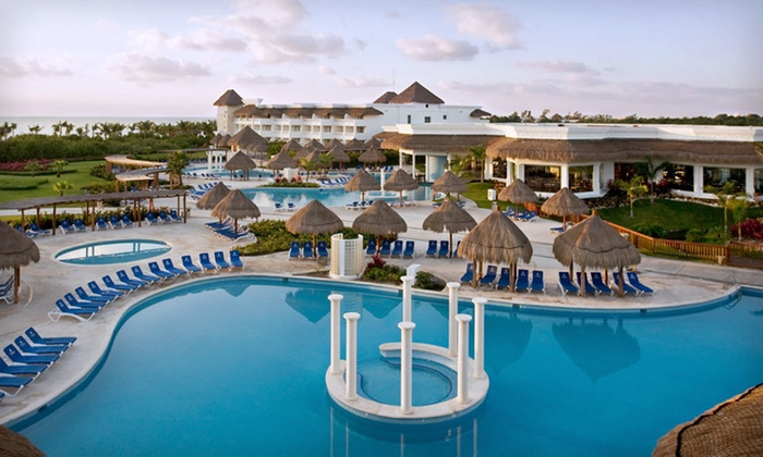 All-Inclusive Mexican Vacation with Airfare - Riviera Maya, Mexico: Four-Night All-Inclusive Riviera Maya Stay with Round-Trip Airfare, all Meals, and Drinks from Vacation Express