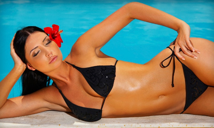 Spray La Vie - Multiple Locations: Two, Four, or Six VersaSpa Spray Tans at Spray La Vie (Up to 65% Off)