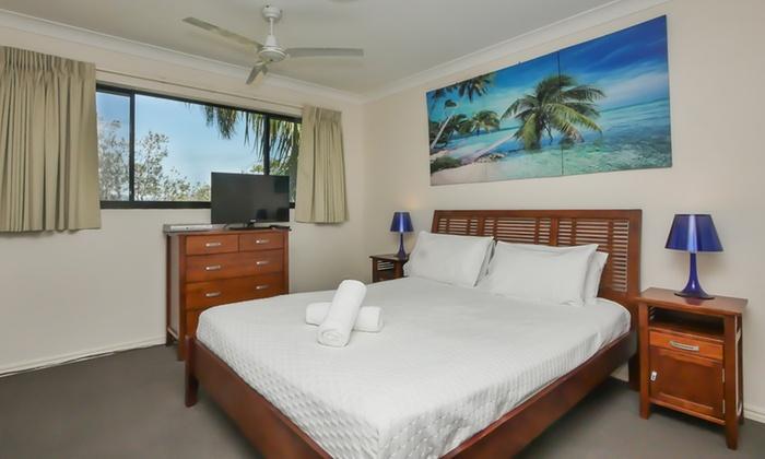 Magic Mountain Resort Apartments In Nobby Beach | Groupon Getaways