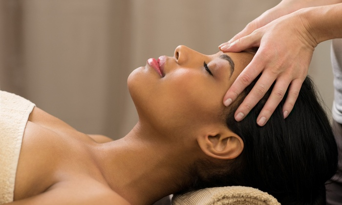 The Chakra House of Healing - Southampton: C$51 for a 1 1/2 Crowning Rapture Head Massage at The Chakra House of Healing (C$120 Value)
