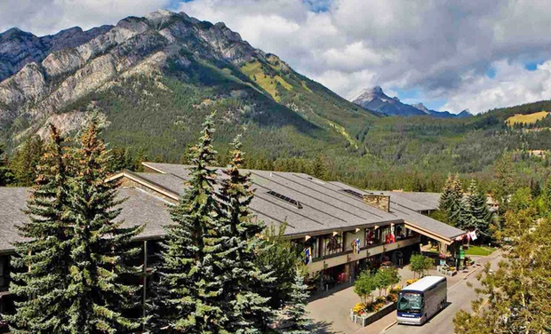 Banff Park Lodge - Banff, AB: Stay at Banff Park Lodge in Banff, AB. Dates into December.