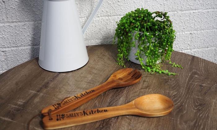 PhotoBook Shop: Fino a 4 set di utensili da cucina in legno personalizzabili offerti da PhotoBook Shop (sconto fino a 86%)