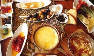 Urfa Class Restaurant: Türkischer Sekt-Brunch inkl. Getränken für 2 oder 4 Personen im Urfa Class Restaurant (bis zu 27% sparen*)