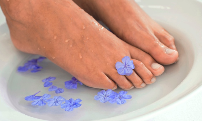Laser Toenail Clinic - Arcadia: Laser Toenail Fungus Removal for One or Both Feet at Lee Podiatry Group (Up to 80% Off)