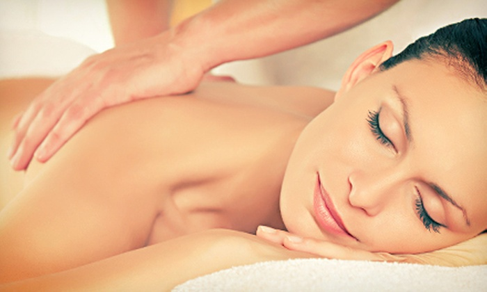 Chiropractic USA - Santa Clara: $39 for a 60-Minute Swedish or Deep-Tissue Massage at Chiropractic USA ($80 Value)