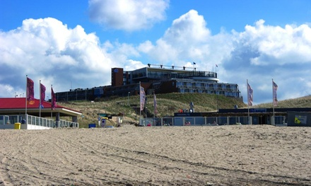 Wijk aan Zee: Economy of grote tweepersoonskamer, naar keuze met ontbijt en zeezicht in 4* Strandhotel Het Hoge Duin