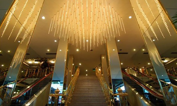 Bangkok: Asia Hotel + Thai Airways Flights 5