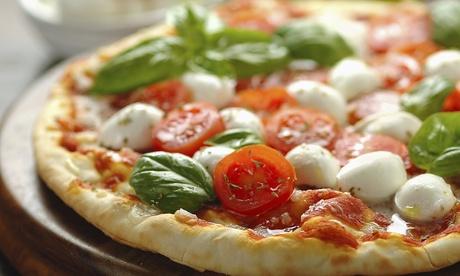 Pizza oder Flammkuchen nach Wahl für 2 oder 4 Personen im Strandhaus Brühl in Haus