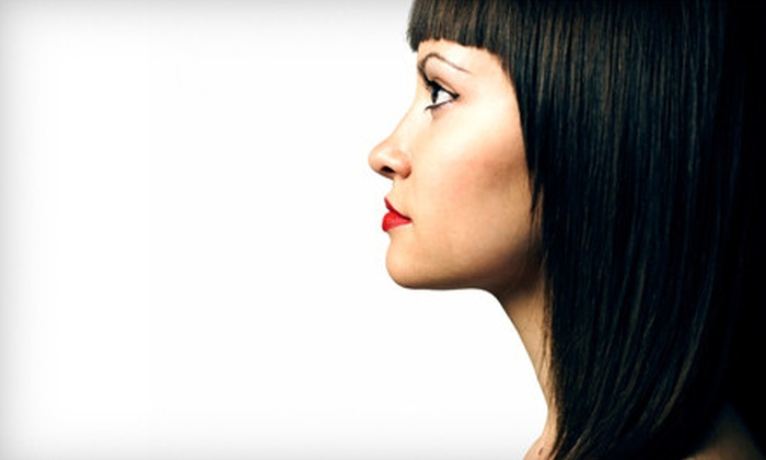 Chop Chop Salon - Caswell Hill: $20 for Haircut and Deep-Conditioning Treatment at Chop Chop Salon ($55 Value)