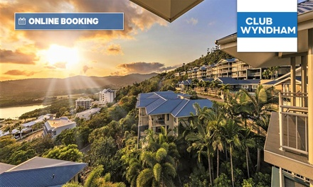 Airlie Beach: 3 to 5 Nights for 2 or 4 Ppl with Brekkie, Food Voucher and Late Check-Out at 4* Club Wyndham Airlie Beach