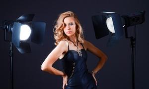 GAIA MACCHINA: Shooting fotografico in studio fino a 4 persone con 150 scatti da Gaia Macchina (sconto fino a 86%)