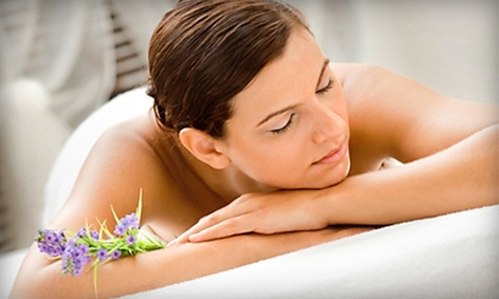 Brown Chiropractic - Savannah: $49 for Exam, Chiropractic Adjustment, X-rays, and 30-Minute Hydrotherapy Massage at Brown Chiropractic ($240 Value)