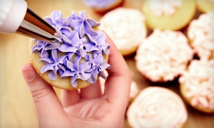 Faboo Cakes - Hendersonville: $25 for a BYOB Cupcake-Decorating Class at Faboo Cakes in Hendersonville ($55 Value)