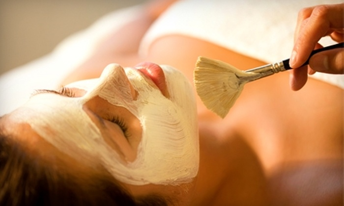 Studio 157 - Hendersonville: $35 for Facial With Warming Pumpkin Mask and Mini Neck and Hand Massage at Studio 157 in Hendersonville ($110 Value)