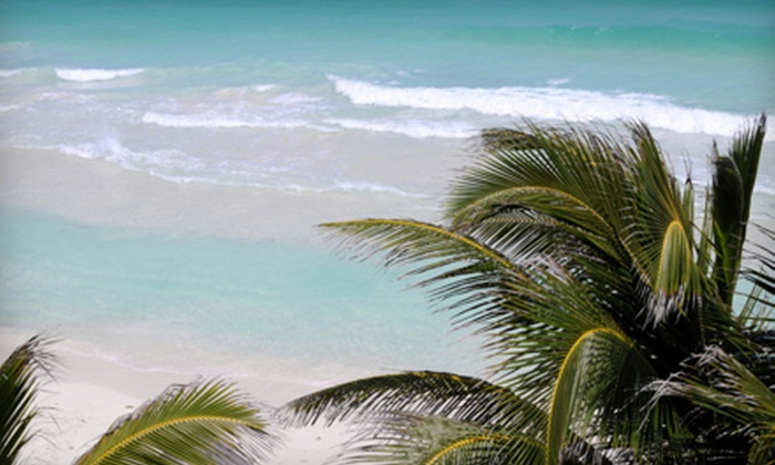 Davis Tours - Downtown Fort Lauderdale: $59 for Round-Trip Key West Excursion with Breakfast from Davis Tours ($120 Value). Six Dates Available.