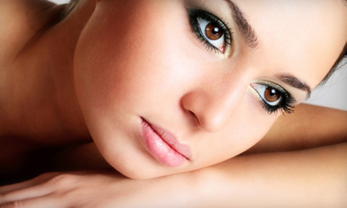 MONA LISA ECO SPA'LON - Cleveland: One or Three Fruit-Enzyme Peels at Mona Lisa Salon & Spa in Mayfield Heights