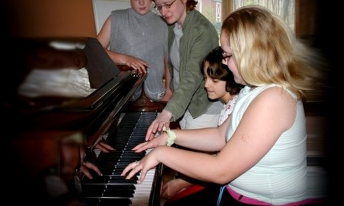 Lozier Music - Rochester Hills: $69 for Six Music Lessons at Lozier Music in Rochester Hills (Up to $153 Value). Choose Piano or Guitar.