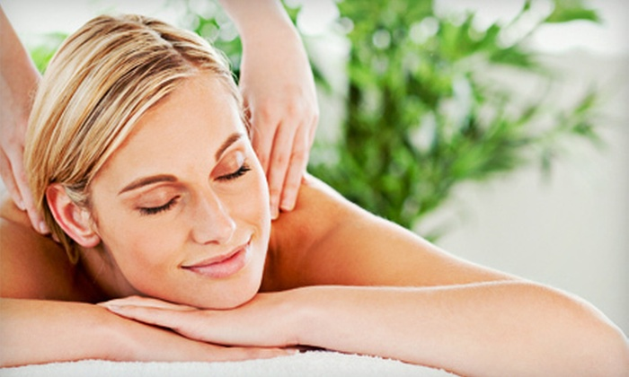 Activa Clinics - Multiple Locations: $39 for One-Hour RMT Massage at Activa Clinics ($90 Value)