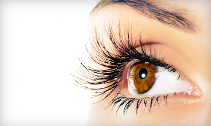 Teen2Queen - Post Road North: $39 for Two Full Sets of Eyelash Extensions at Teen2Queen in Milford ($78 Value)