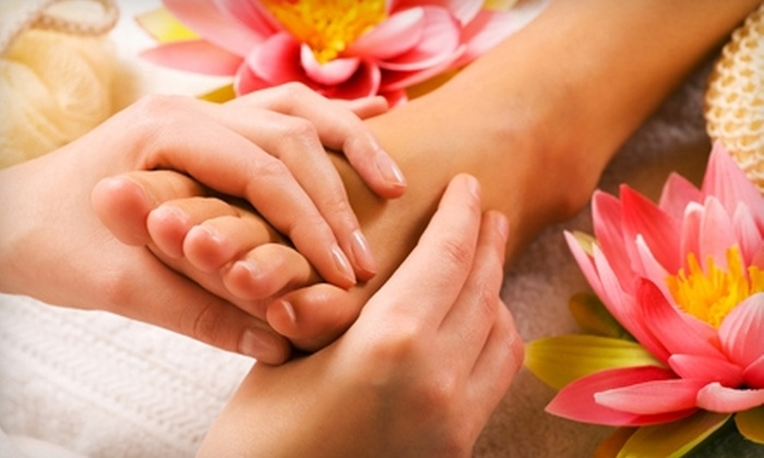 Cove Wellness - Village: $45 for a Reflexology Treatment and Detox Foot Bath at Cove Wellness in La Jolla