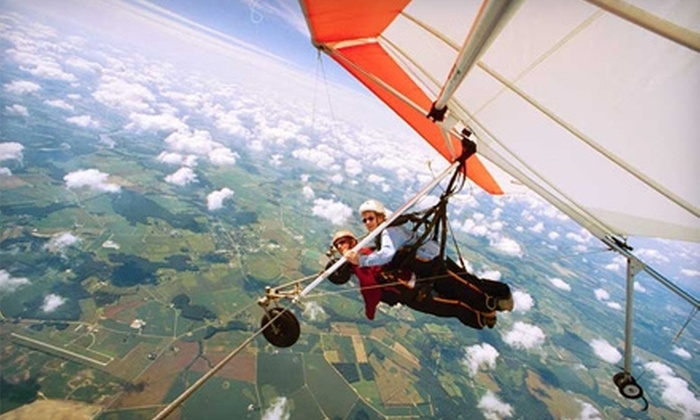 Highland Aerosports - Ridgely: $90 for a Weekday or Weekend Intro to Hang Gliding Flight Plus a Photo Package at Highland Aerosports in Ridgely ($180 Value)