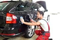 Autopflege, opt. mit Polster-, Lederpflege u. Hochglanzpoliturbei Innensauber De Pawel Rynkiewicz (bis zu 65% sparen*)