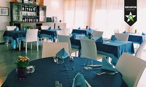 AZZURRO Ristorante: Menu valtellinese con sciatt e pizzoccheri illimitati sul Lago di Como (sconto fino a 81%)