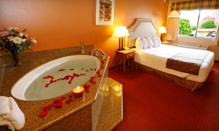 Wildflower Inn - Phoenix: Jacuzzi Room Getaway and Wine Tasting for Two at Wildflower Inn in Sedona