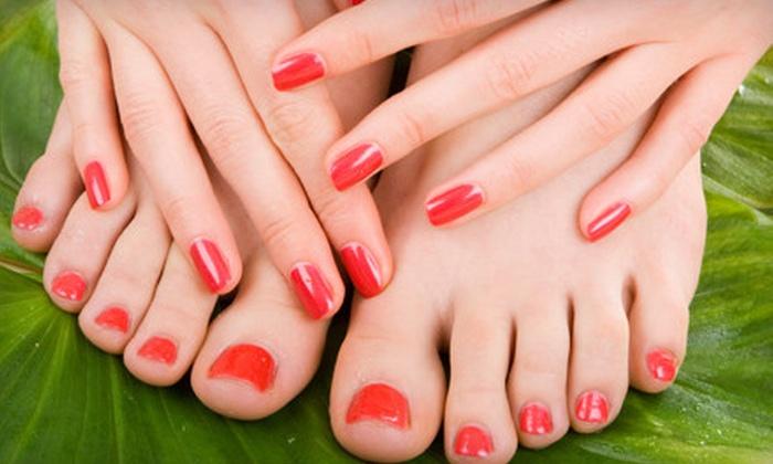 De Javu Salon - Jacksonville: Shellac Manicure or One or Three Shellac Manicures with Classic Pedicures at De Javu Salon (Up to 60% Off)