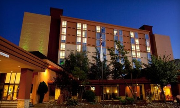 Holiday Inn Reno-Sparks - Stanford Industrial Park: $59 for a One-Night Stay Plus 15% Off Breakfast or Dinner at Holiday Inn Reno-Sparks (Up to $124 Value)