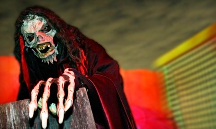 Screams Halloween Theme Park - Waxahachie: $12 for One Haunted-Theme-Park Ticket to Screams Halloween Theme Park ($24.99 Value)