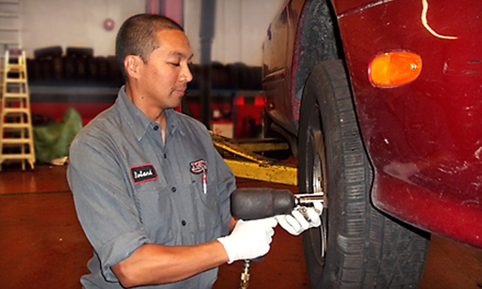 Canadian Tire  - Lynnmour South: $25 for an Oil Change, Inspection, and Tire Rotation at Canadian Tire ($60 Value)