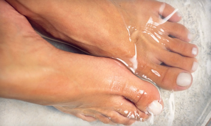 Collective Wellness - Beacon Hill South - Cardinal Heights: Two, Five, or Ten Ion Foot-Bath Detox Treatments at Collective Wellness in Gloucester
