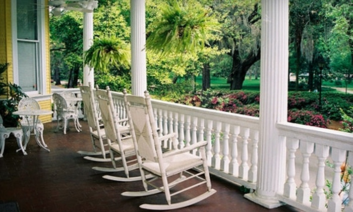 Forsyth Park Inn - Savannah: $139 for a One-Night Stay and Breakfast for Two at the Forsyth Park Inn in Savannah (Up to $295 Value)